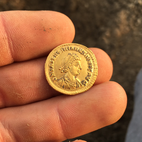 Gold Roman Coin in Mint Condition - Search coils NEL